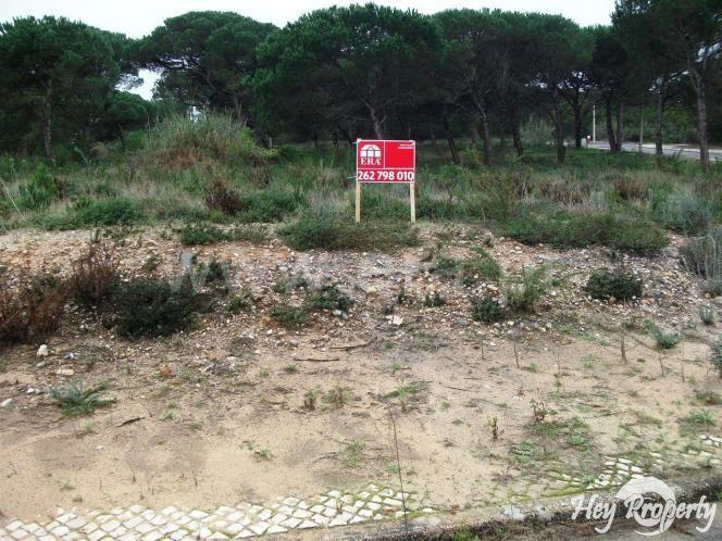 Land/Ruins for sale in Vau