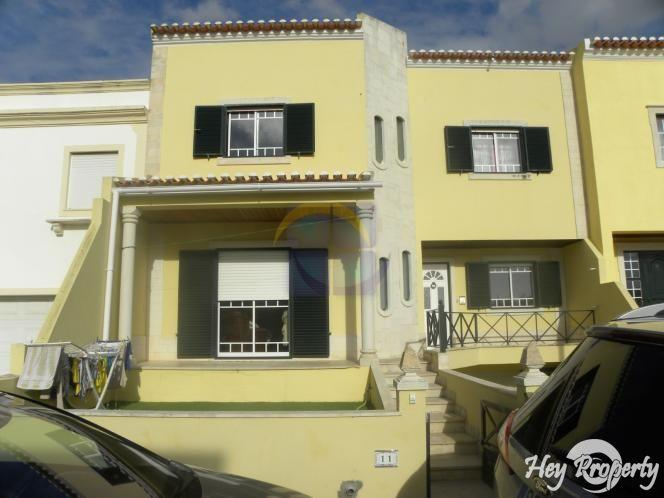House/Villa for sale in Atouguia da Baleia