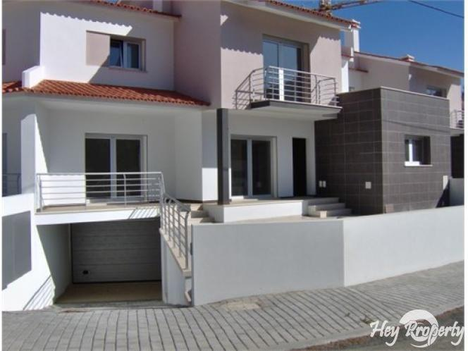 House/Villa for sale in Pousos