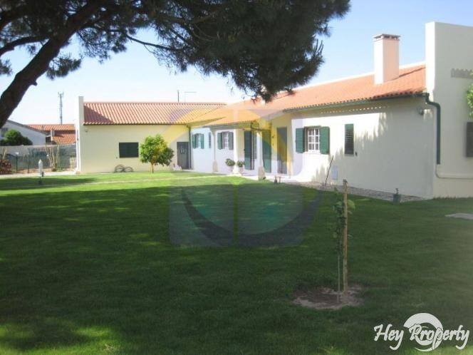 House/Villa for sale in Cela