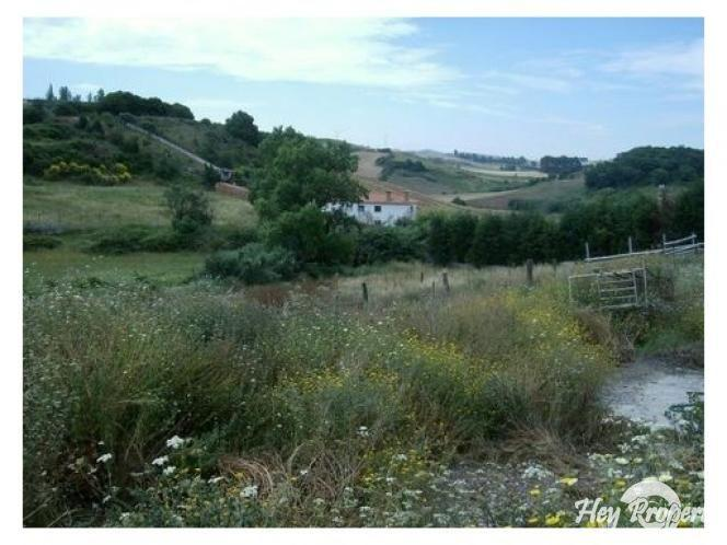 Land/Ruins for sale in Sobral de Monte Agraco