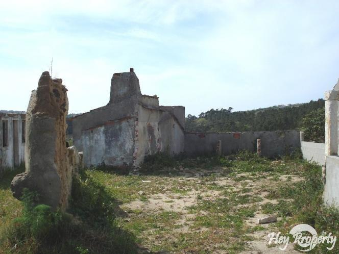 Land/Ruins for sale in Vimeiro