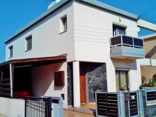 Townhouse for sale in Kato Polemidhia