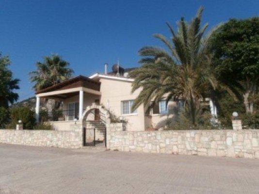 Bungalow for sale in Akoursos