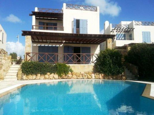 House/Villa for sale in Chloraka