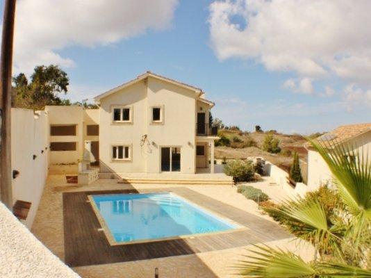 House/Villa for sale in Dhrousha