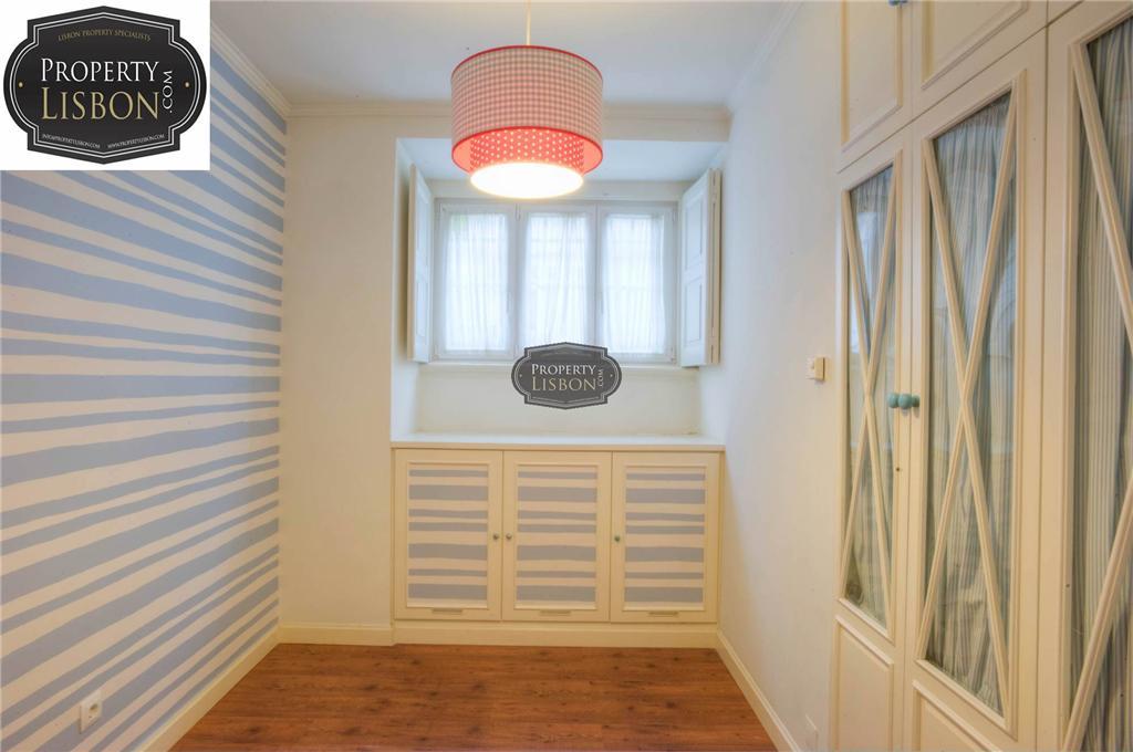 Apartment/Flat for sale in Ajuda