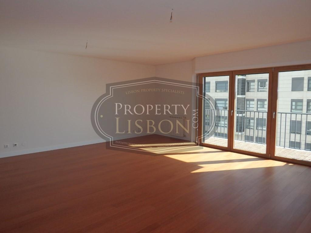 Apartment/Flat for sale in Lumiar