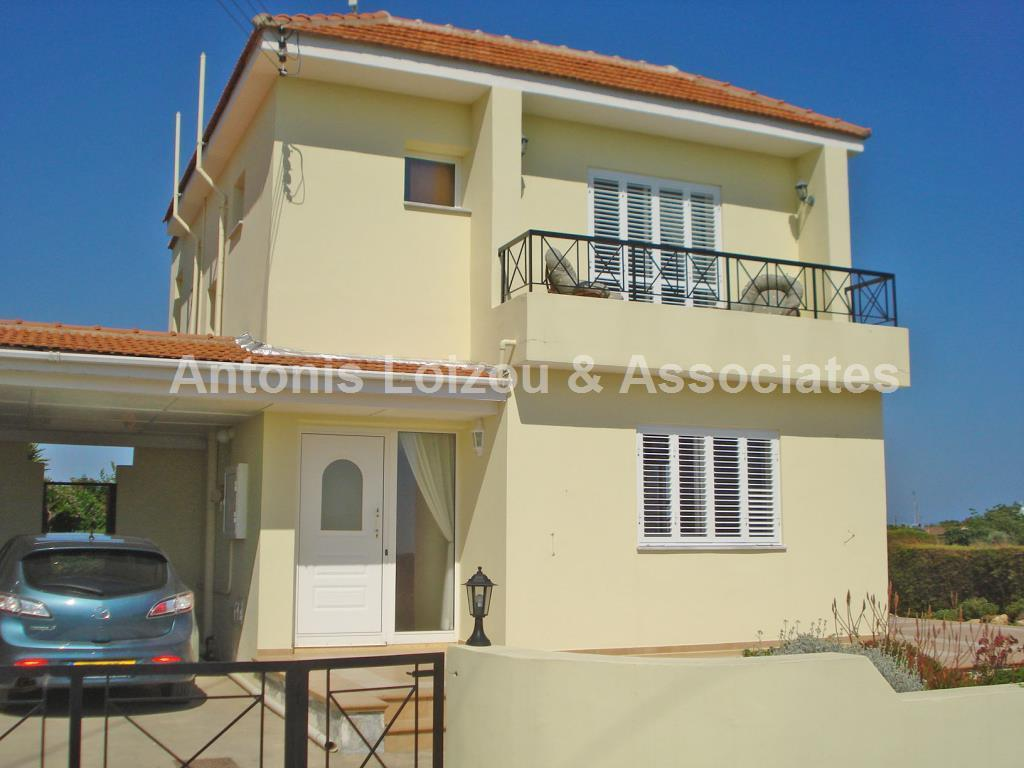 Detached for sale in Ayios Theodhoros