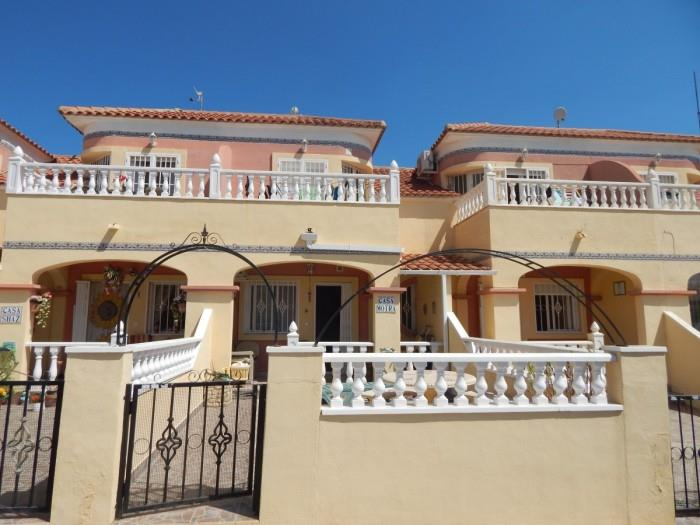 Townhouse for sale in La Zenia