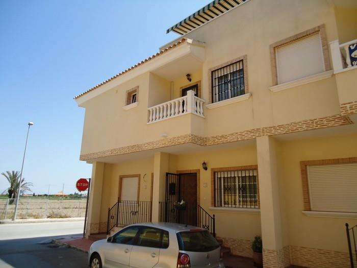 Townhouse for sale in Daya Vieja