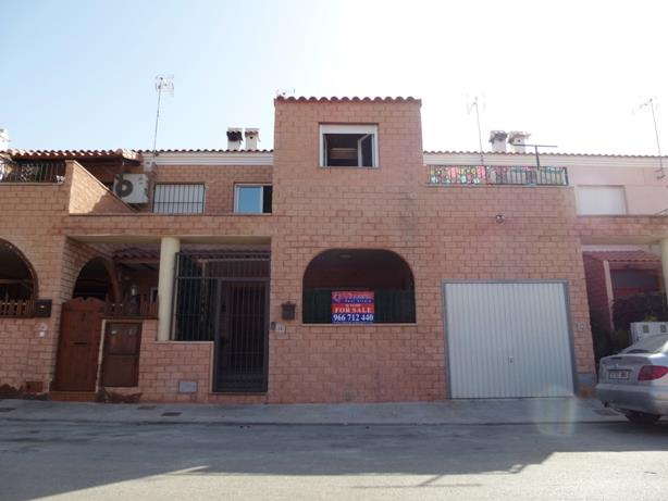 Townhouse for sale in Almoradi