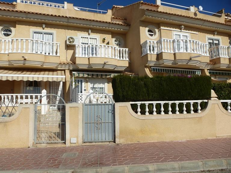 Townhouse for sale in La Mata