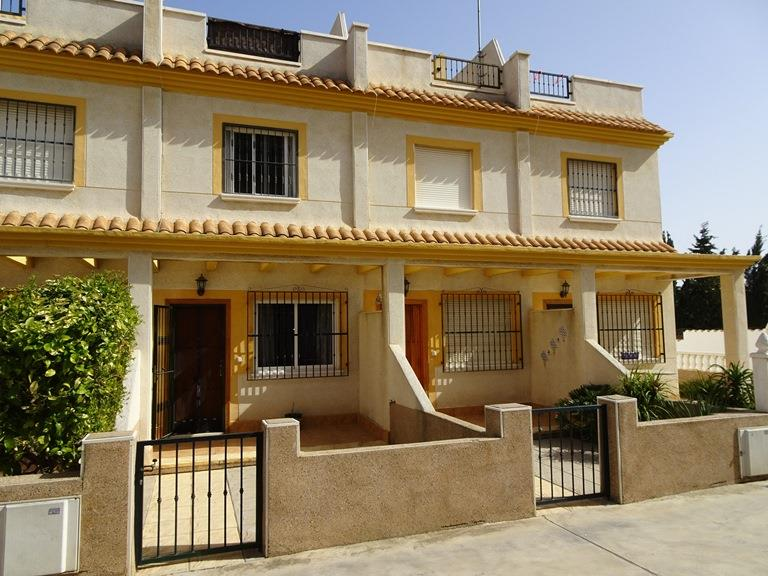 Townhouse for sale in Algorfa