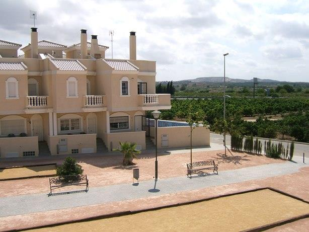 Townhouse for sale in Heredades