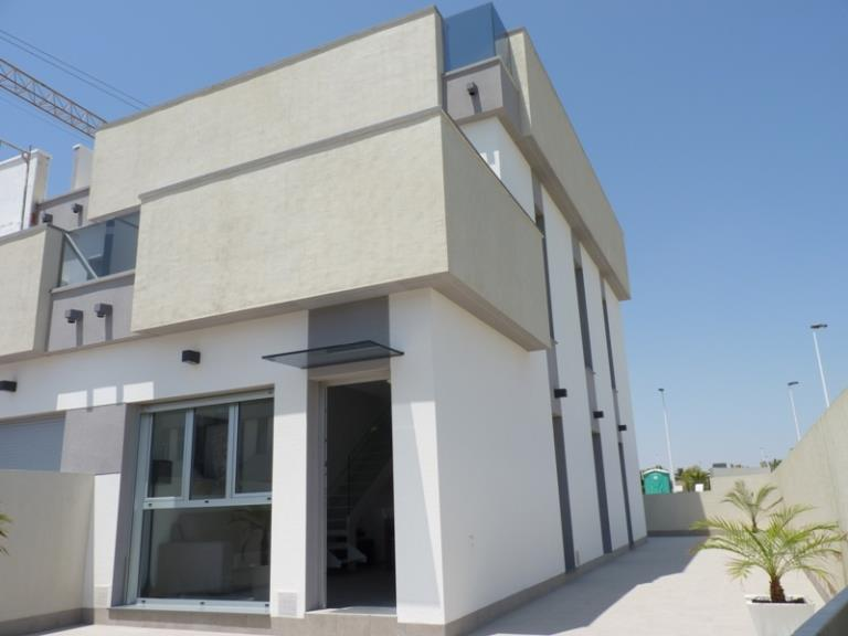 Townhouse for sale in Lo Pagan
