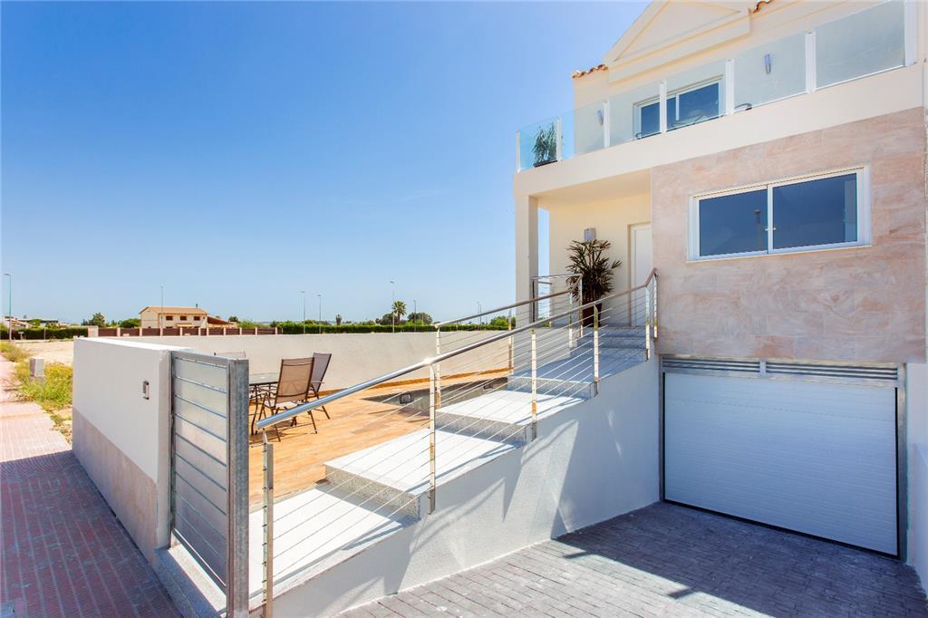 House/Villa for sale in Daya Nueva