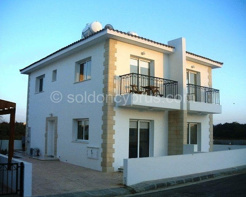 Townhouse for sale in Ayia Trias