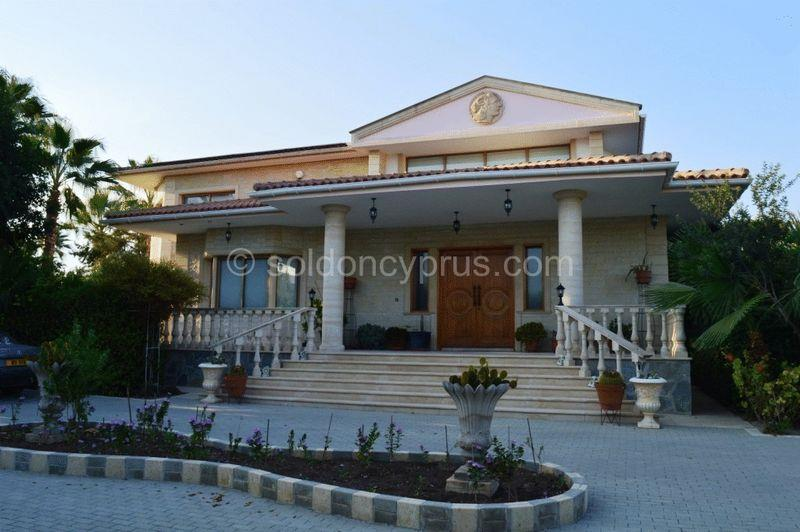 House/Villa for sale in Aletriko