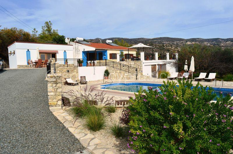 Bungalow for sale in Vavla