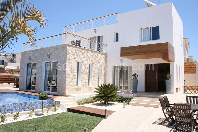 House/Villa for sale in Neokhorio