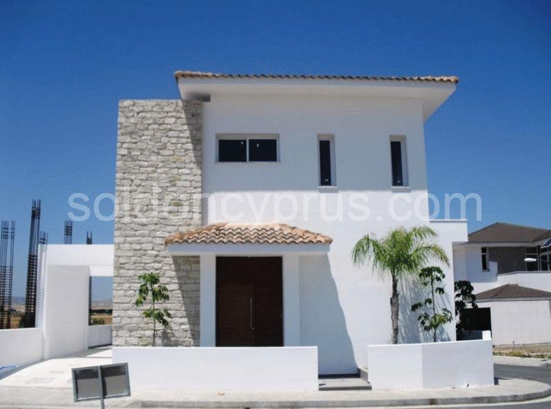 House/Villa for sale in Dromolaxia