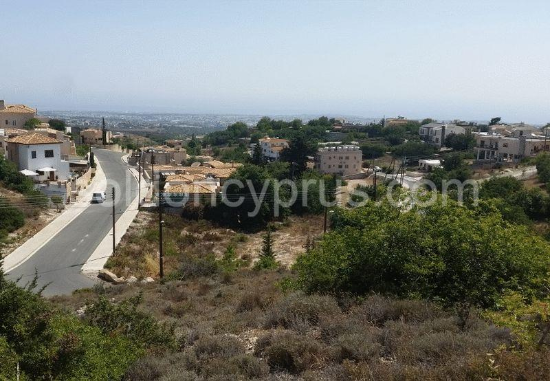 Land/Ruins for sale in Mesa Khorio
