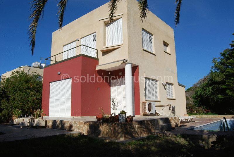 House/Villa for sale in Khlorakas