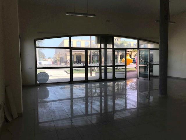 Commercial for sale in Corralejo