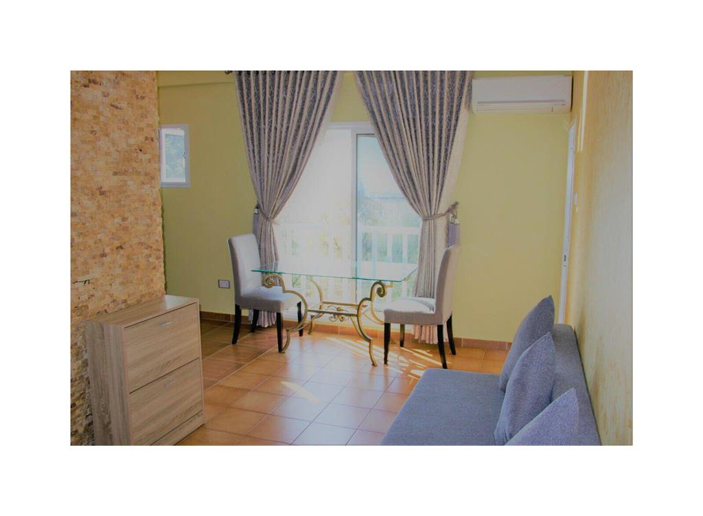 Apartment/Flat for sale in Ay Tychon