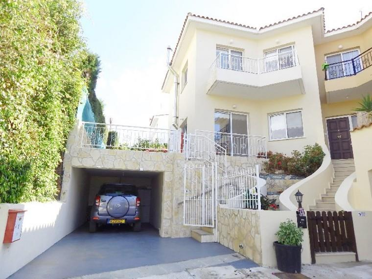 Townhouse for sale in Emba