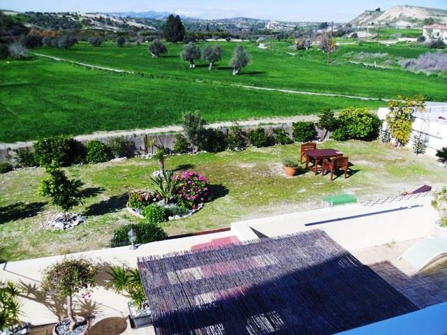 House/Villa for sale in Anaphotia