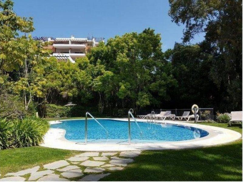 Apartment/Flat for sale in Benahavis
