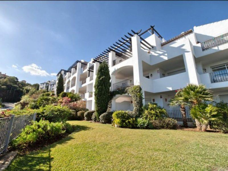 Apartment/Flat for sale in Benahavis
