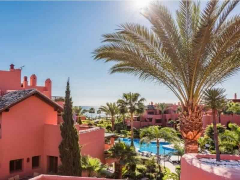 Penthouse for sale in Estepona