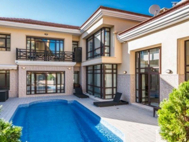 House/Villa for sale in Puerto Banus
