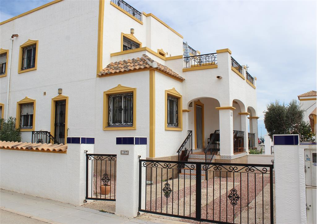 Townhouse for sale in Orihuela