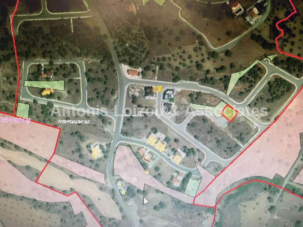 Land/Ruins for sale in Lythrodhondas
