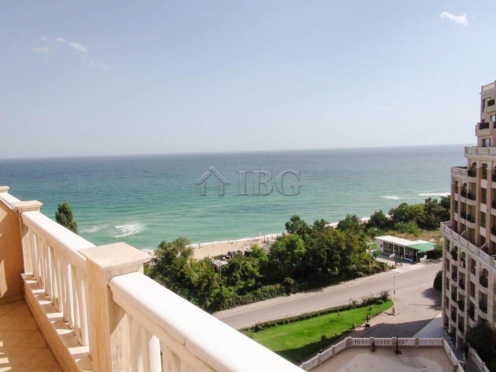 Apartment/Flat for sale in Chayka