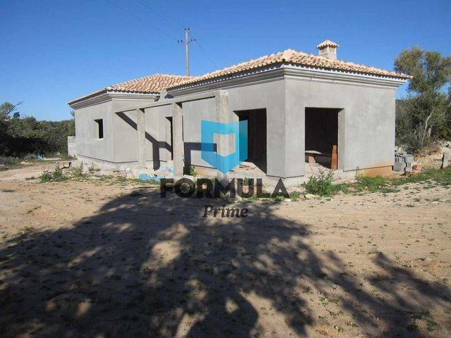 House/Villa for sale in Santa Barbara de Nexe