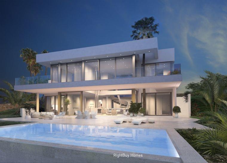 Detached for sale in Estepona