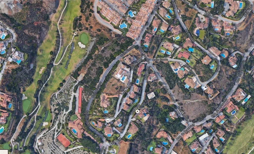 Land/Ruins for sale in Estepona
