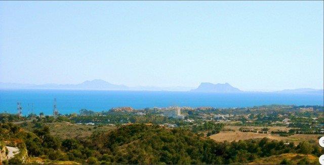 Land/Ruins for sale in Estepona