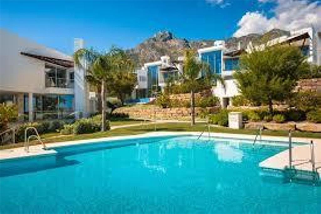 Townhouse for sale in Marbella