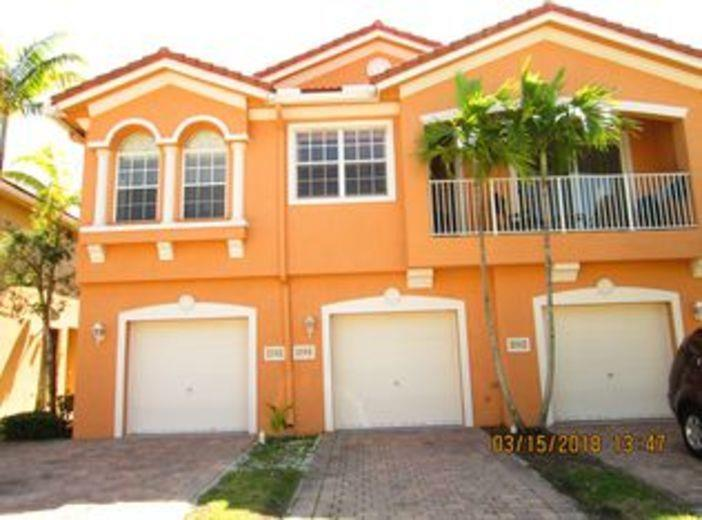 Townhouse for sale in Riviera Beach