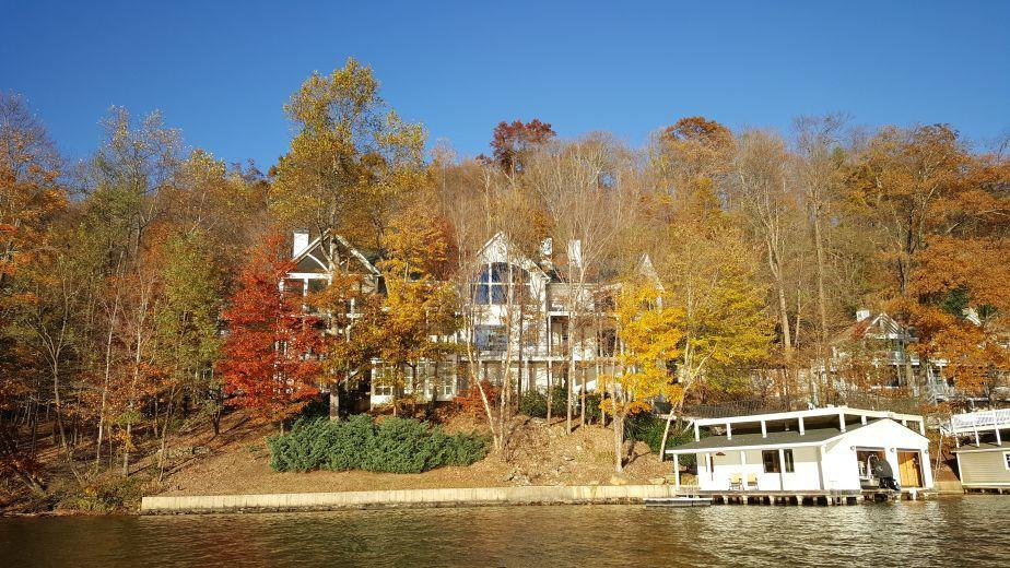 House/Villa for sale in Lake Lure