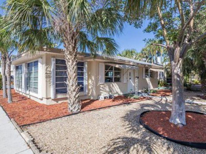House/Villa for sale in Lake Worth