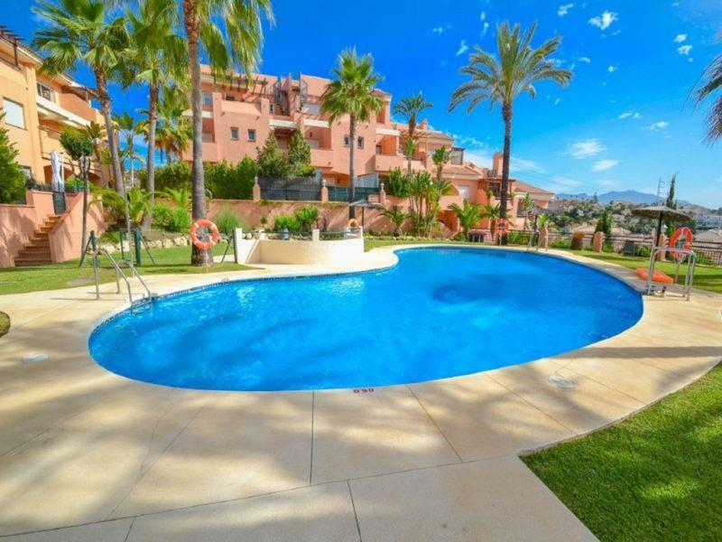 Apartment/Flat for sale in Calahonda