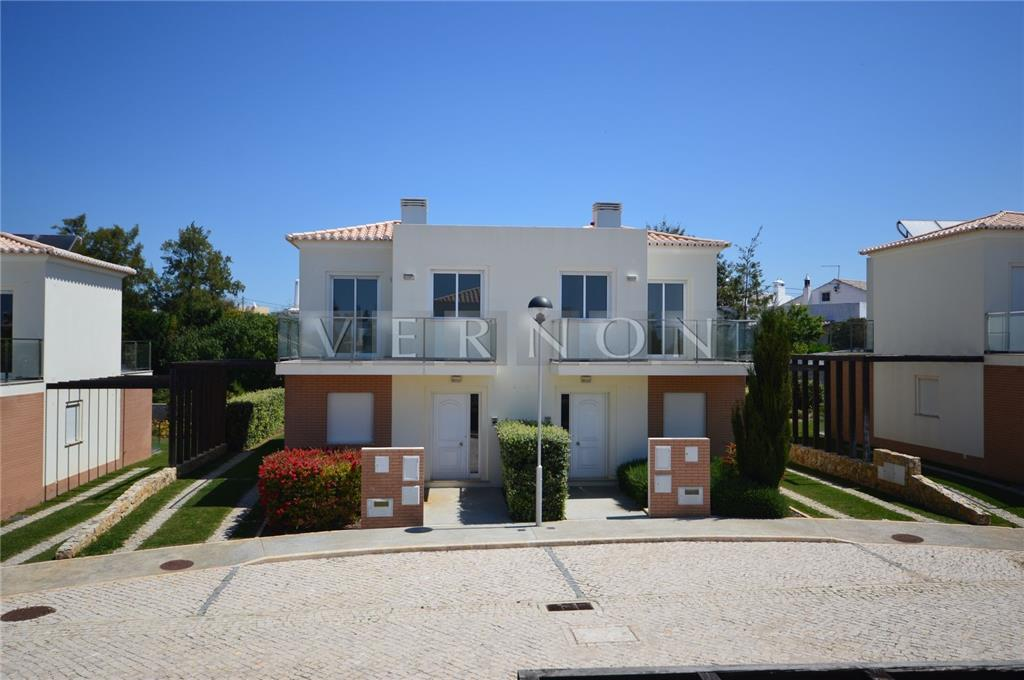 Townhouse for sale in Lagoa