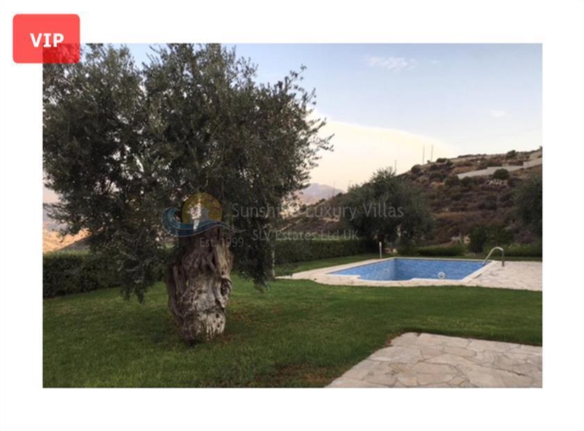 House/Villa for sale in Foinikaria